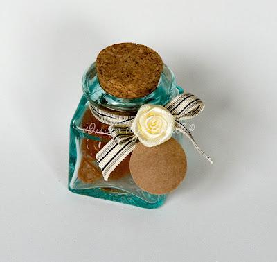 Tarro de cristal personalizado para contener gominolas de limón y melisa