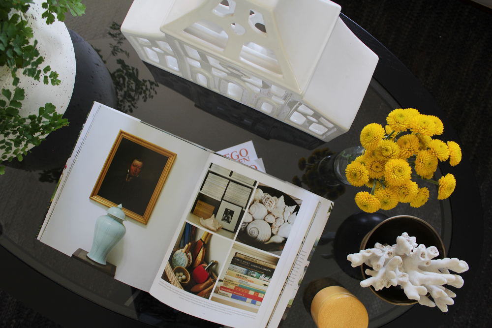 Oscar Bravo Home: Late Spring Coffee Table Styling -An Open Book