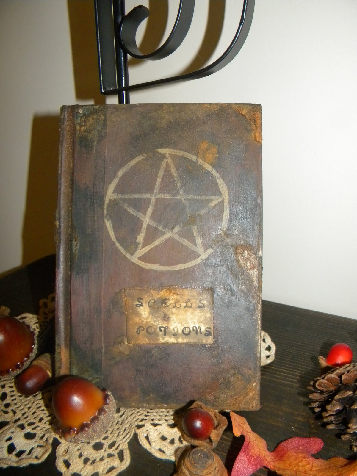Lee Hill Primitives Halloween Spell Book Tutorial