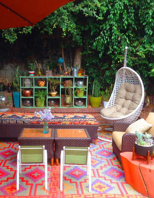 Quirky bohemian mama a bohemian mom blog colorful for Colorful backyard ideas