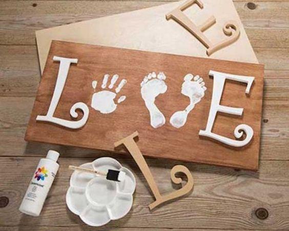 este es un regalo ideal si tienes un beb pequeito una forma muy original y bonita de conservar sus huellas involucrar al pequeo y hacer que a papi le