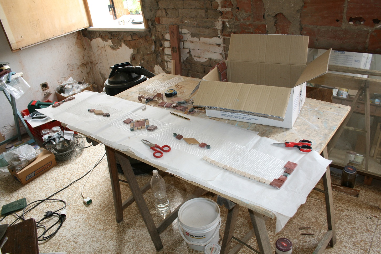 Fatto da me... tutorial: Creare un mosaico per abbellire ...