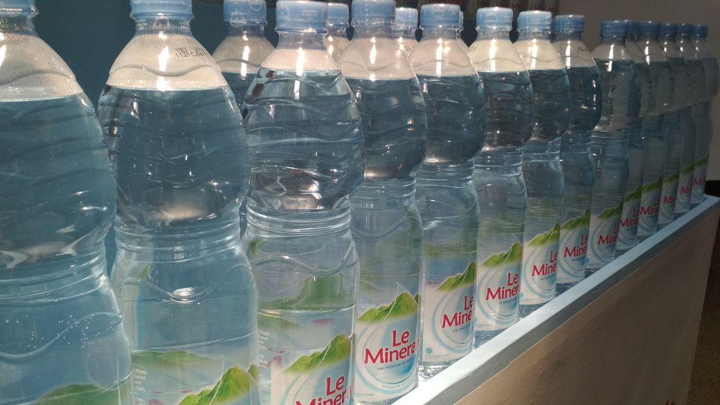 Kenapa Air Mineral Lebih Sehat dari Air Putih Biasa?