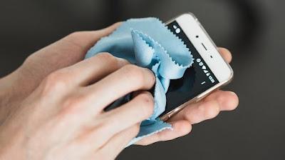 Membersihkan Touch Screen Android