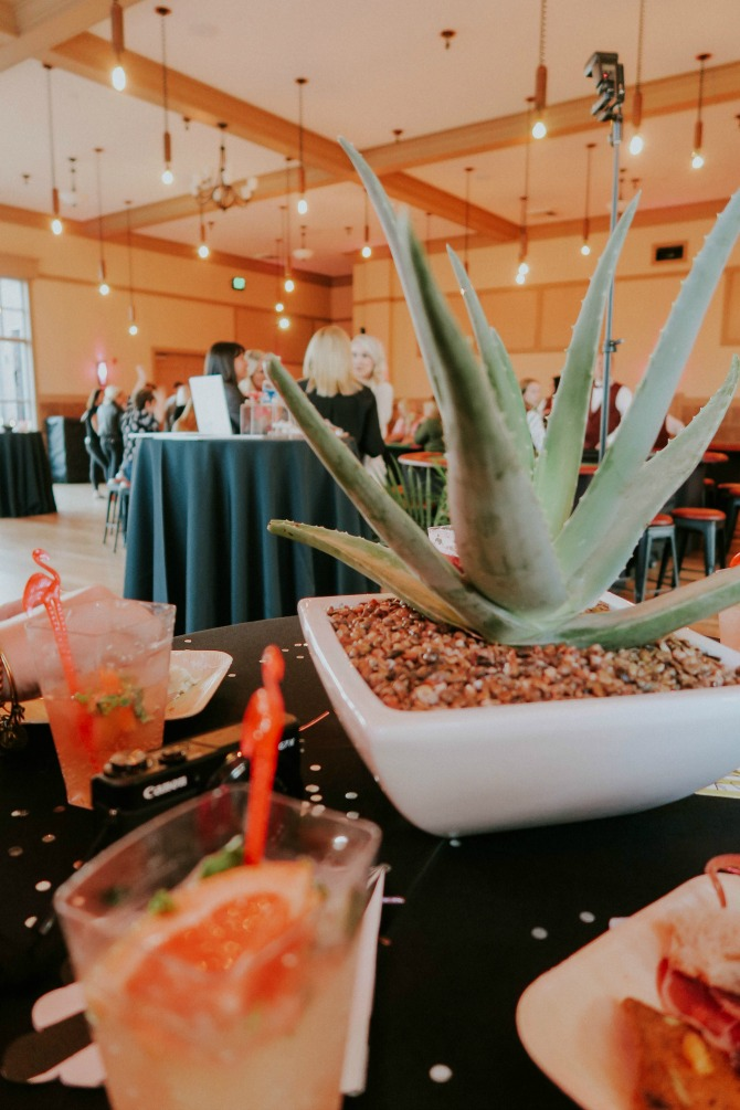 Palm Springs Themed Moms Night Out by lifestyle blogger Michelle of Mumsy