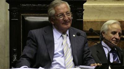Sigue la persecución del gobierno de Mauricio Macri a dirigentes opositores: ordenaron la detención del ex gobernador de Jujuy, Eduardo Fellner.