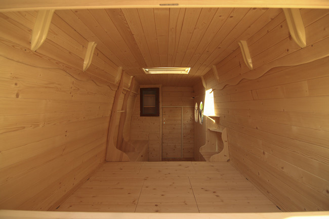 When he was finished, he had a warm, cozy blank canvas to work with. - Amazing Off-Grid Traveling Home Was Made Out Of An Old Van… Wait Till You See The Inside.
