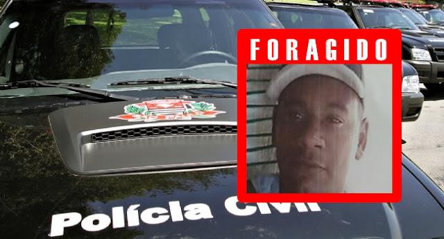 Polícia prende um suspeito de matar jovens em São João e busca outro que está foragido