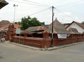 areal masjid merah panjunan cirebon