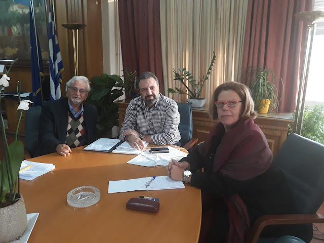 """Συνάντηση της επικεφαλής της """"Πελοπόννησος Οικολογική"""" Δ. Λυμπεροπούλου με Σ. Αραχωβίτη"""