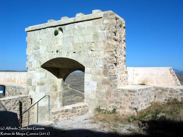 ruinas-moya-puerta-villa-interior