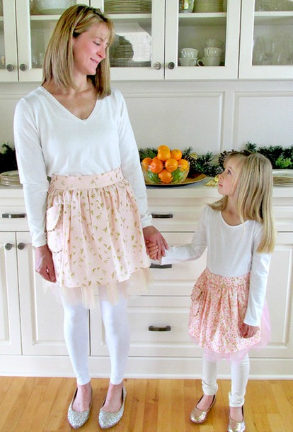 Mother & Daughter Party Aprons