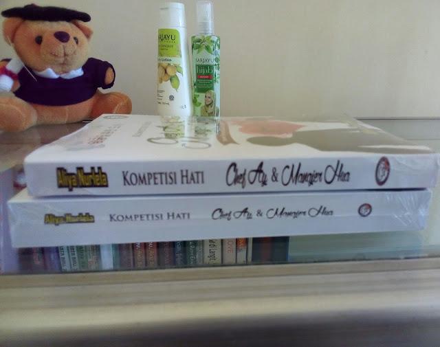 """Perbandingan Tebal Novel Serial Risoles Kota Manis Jilid 3 """"Kompetisi Hati Chef Ay & Manajer Hua"""""""
