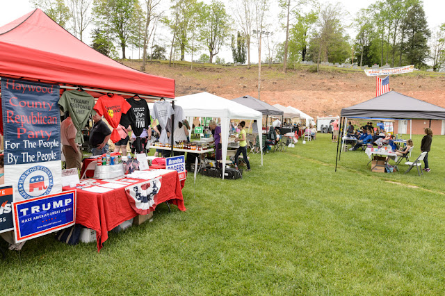 Vendors at the Waynesville Ramp Festival