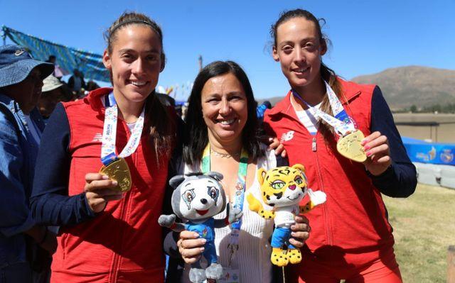 Ministra del Deporte, Pauline Kantor y las hermanas Melita y Antonia Abraham