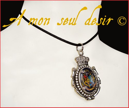 Collier Blason Poudlard Harry Potter Magie Albus Dumbledore Hogwarts crest magic school necklace A l'école des Sorciers