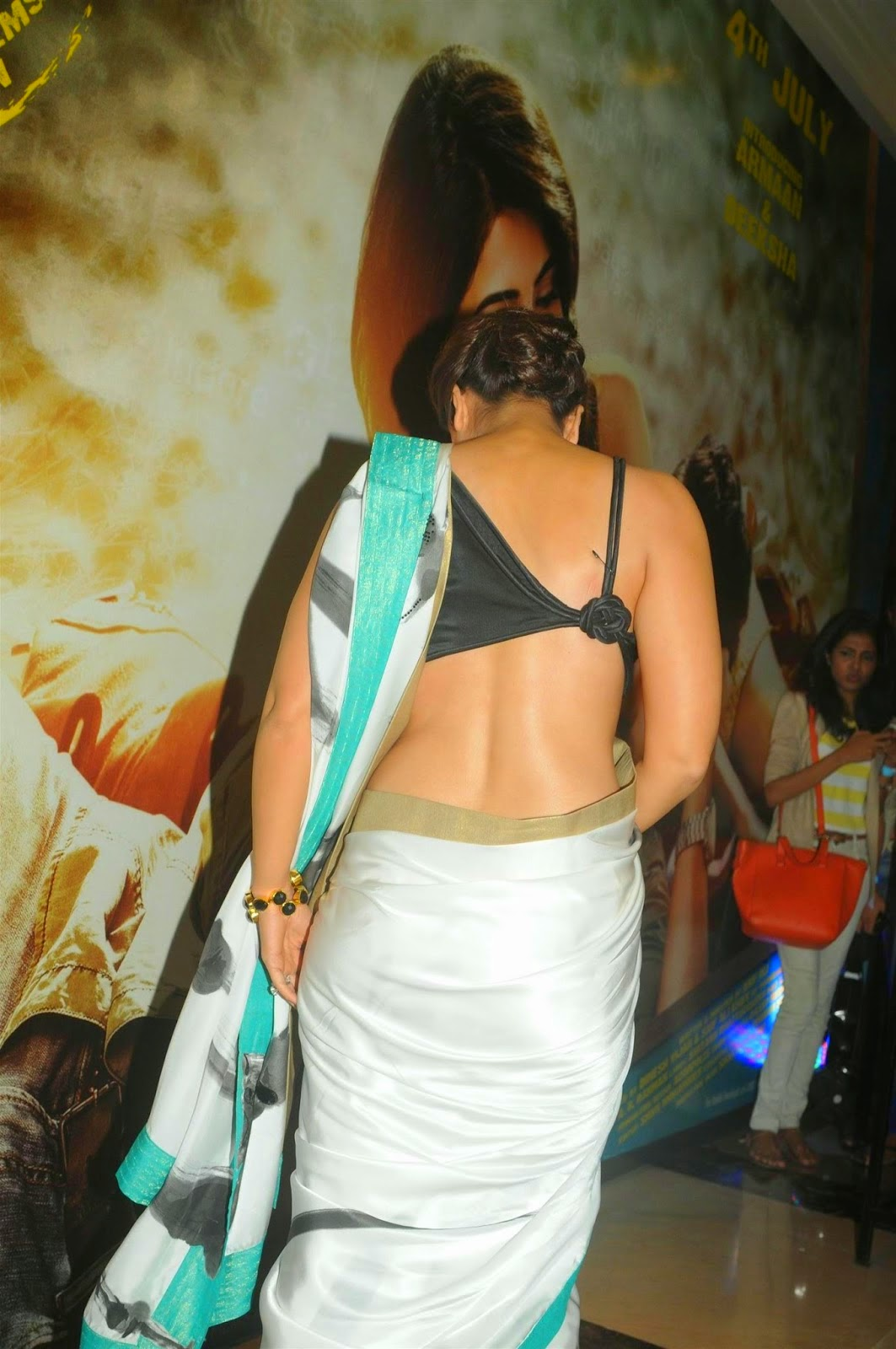Hot kareena kapoor in bikini