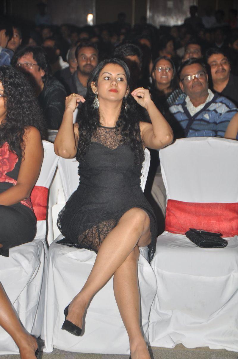 Hot Thigh: Indian Actress hot thighs