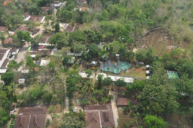 Foto dari atas Wirawisata