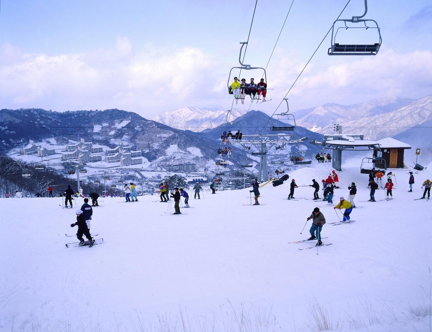 korea e tour korea ski tour. Black Bedroom Furniture Sets. Home Design Ideas