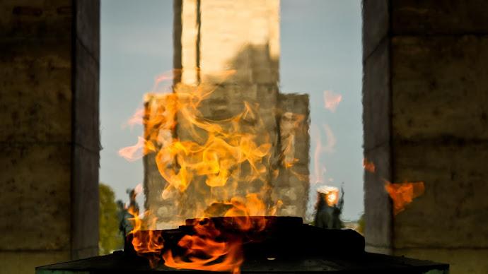 Wallpaper: The Eternal Fire