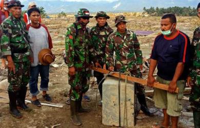 TNI Temukan Brankas Rp1 Miliar di Reruntuhan Gereja Sigi