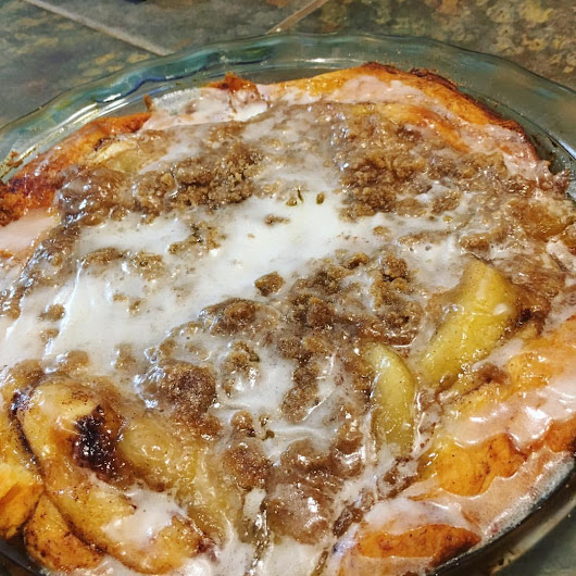 Britches and Boots : A Place I Call Home: Hey Good Lookin' - Cinnamon Roll Apple Pie