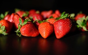 Wallpaper: Strawberries Fruits