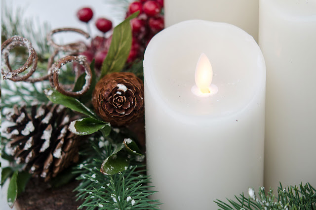 Easy 5 Minute Christmas Vignette and More Inspiration for Your Holiday Home