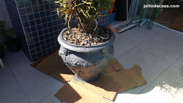 pintura-em-vaso-de-cimento