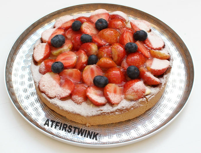 HEMA strawberry and blueberry tart