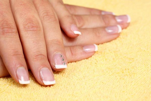 lines in nails vitamin deficiency