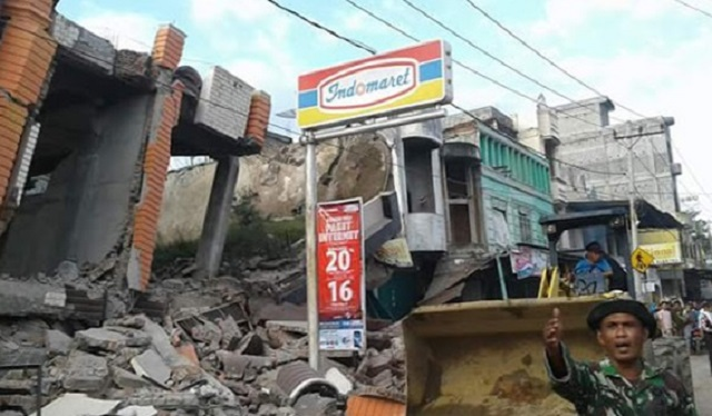 Gempa Bumi  Mengegar Banda Aceh, Puluhan Bangunan Musnah