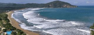 Kolam Renang Pemandian Umum Pantai Taman Pacitan