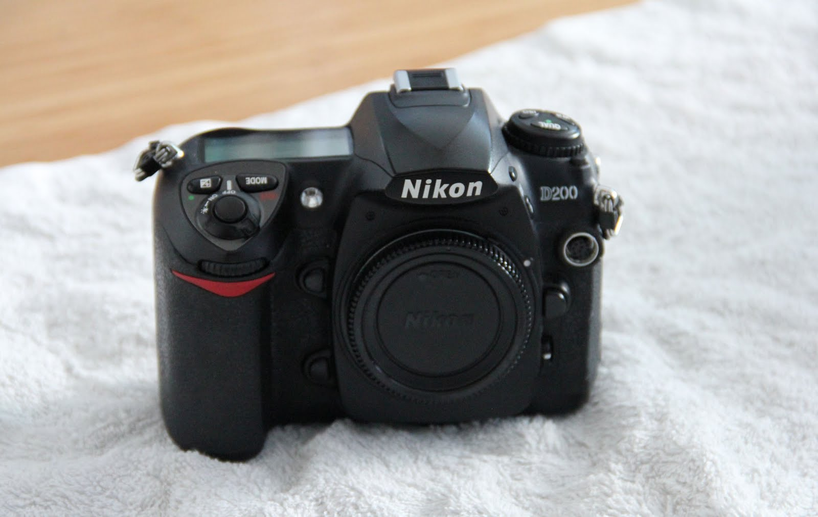 THE ADVENTURES OF SHARK GIRL : FOR SALE: NIKON D200 ...