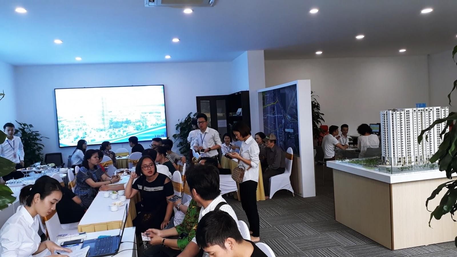 Khai trương nhà mẫu thực tế của dự án Amber Riverside Minh KHai