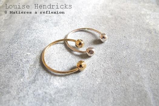 Bijoux Louise Hendricks bague dorée phalange doigts boules