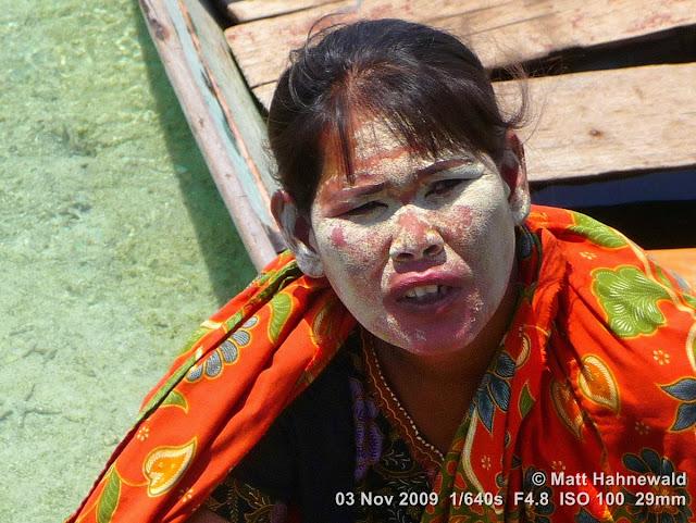 Sama-Bajau woman, Bajan Laut, east-coast Bajan, sea gypsies, sea nomads, portrait, headshot, burak, East Malaysia, Borneo, Sabah, Mabul Island