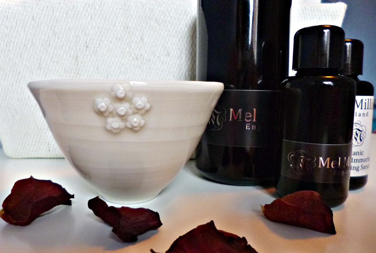 A Touch of luxury: Mel Millis Mixing vessel by Emma Clegg