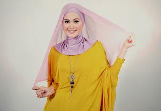 model hijab paris