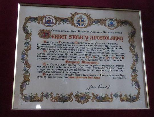 Dekret o nadaniu tytułu i godności Bazyliki Mniejszej.