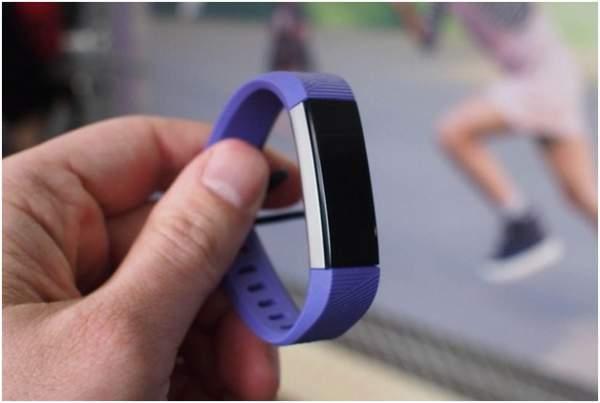 Fitbit Ace fitness tracker untuk anak