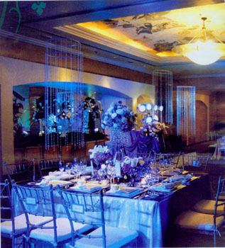 Summer Wedding Idea: Blue Flowers As Decors For Weddings