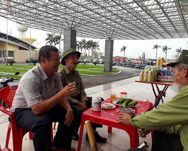 Dưa chuột chấm muối - Món ăn lạ dân dã ở Thái Bình