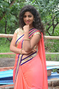 Actress Pavani sizzling photo shoot-thumbnail-7