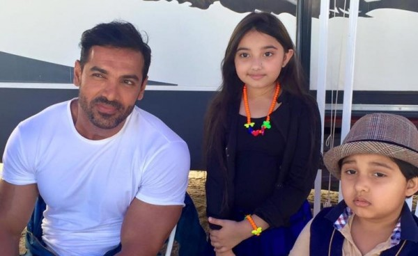 Javeria Saud Kids With Varun Dhawan and John Abraham