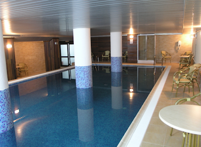 imagini piscina hotel cindrel paltinis
