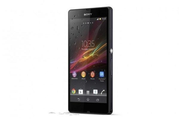 Điện thoại Sony bị ngâm nước dẫn đến hư màn hình