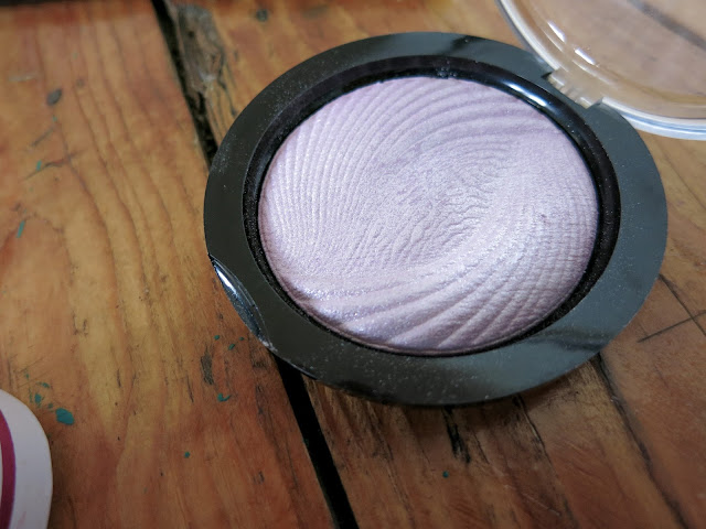 Makeup Revolution Pink Lights
