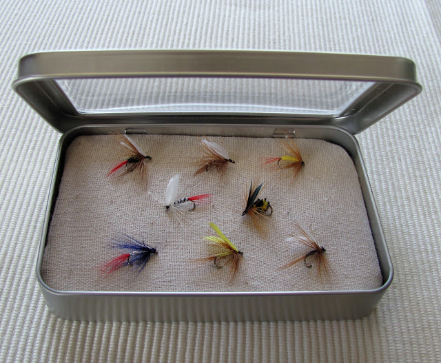 open+tin Father's Day Gift Idea: Fly Fishing Box {#FathersDay} 25